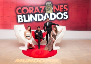 elenco de CB con pantalla 300x211 #TeamCapicu Meets The Cast Of Corazones Blindados