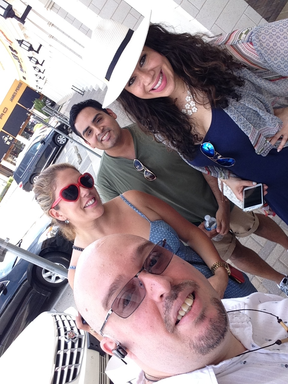 This is me with @XoXoLizza, @VeeTravels and @LeauraLuciano #4coolbloggers